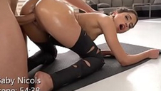 Spoil Nicols tears their way yoga pants fucks then opens up cum chiefly their way face